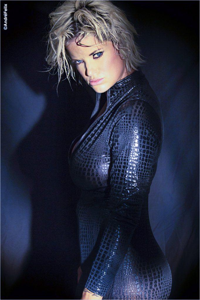 Mariel Gomsrud Dramatic lighting